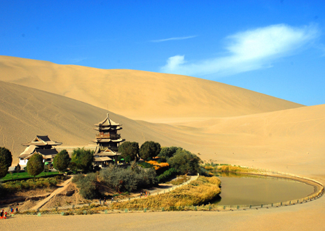 Dunhuang Crescent Spring - Highlight Attraction in Silk Road Tour