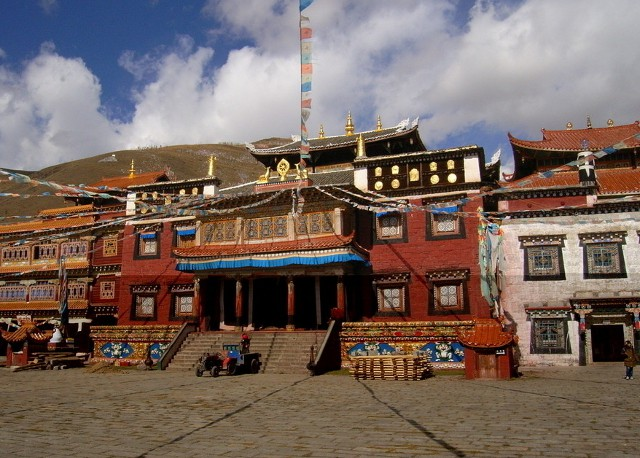 Sichuan Tagong Monastery