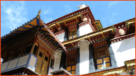 Visiting Norbulingka in  Tibet