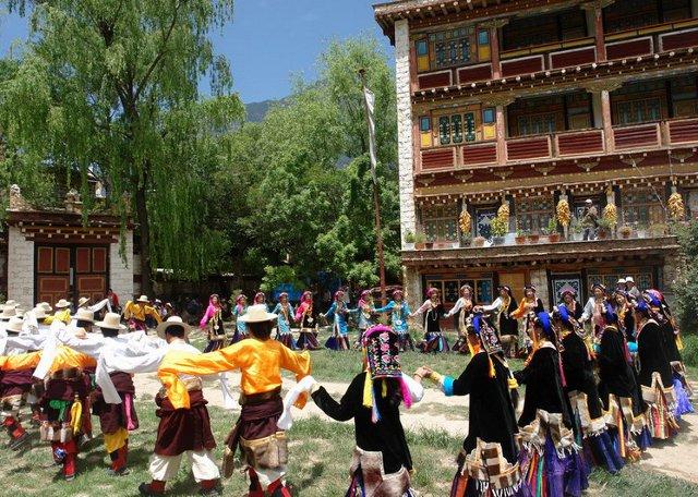 Danba Zhonglu Tibetan Village