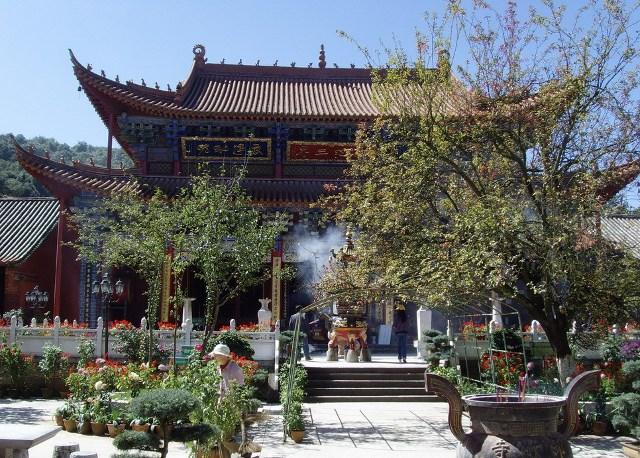 Kunming Qiongzhu Temple