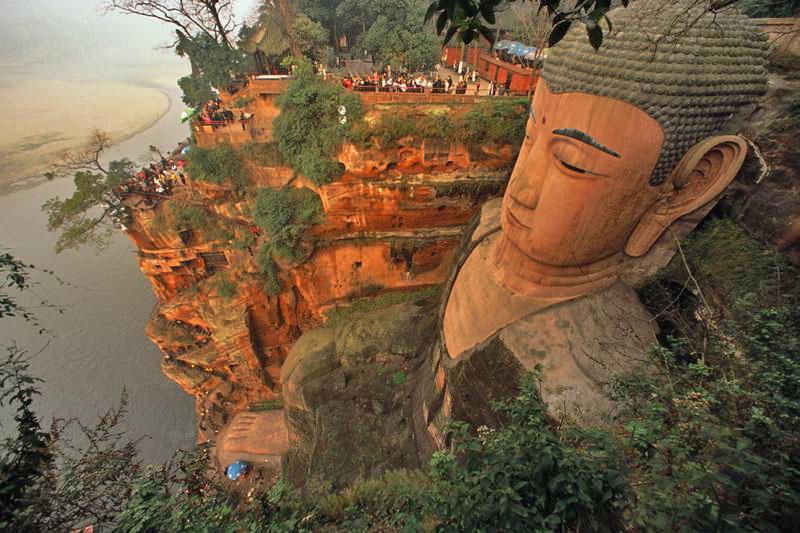 Statue koje oduzimaju dah Leshan-grand-buddha_1