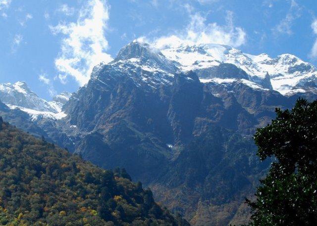 Mingyong Glacier Trekking