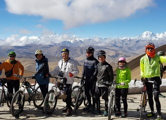 Gawula pass cycling tour