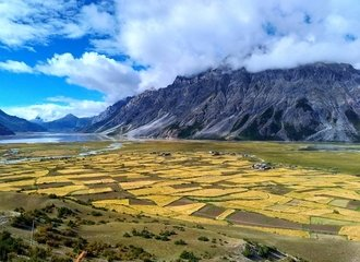Pasho County in Tibet