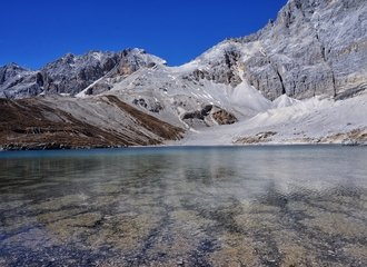 Five-color lake Yading