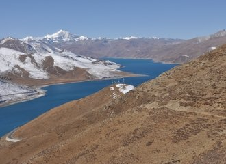First glimpse of Yamdrok Tso Lake from Kambala Pass