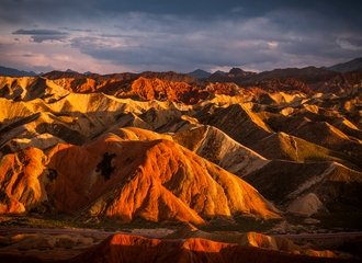 Tour Rainbow Mountain at the Zhangye Danxia Landform