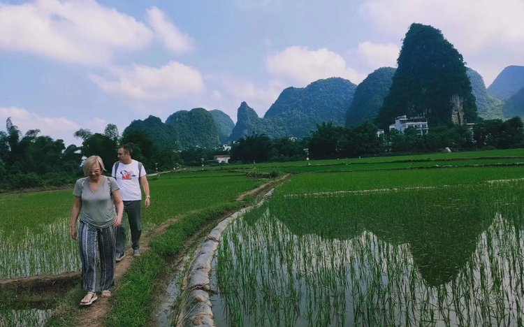 yangshuo countryside hiking