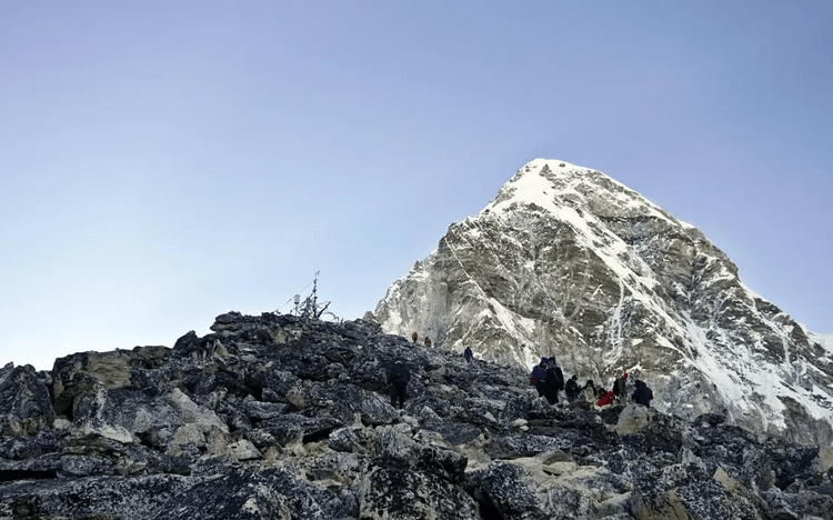 Snow-capped peaks on EBC trek Nepal