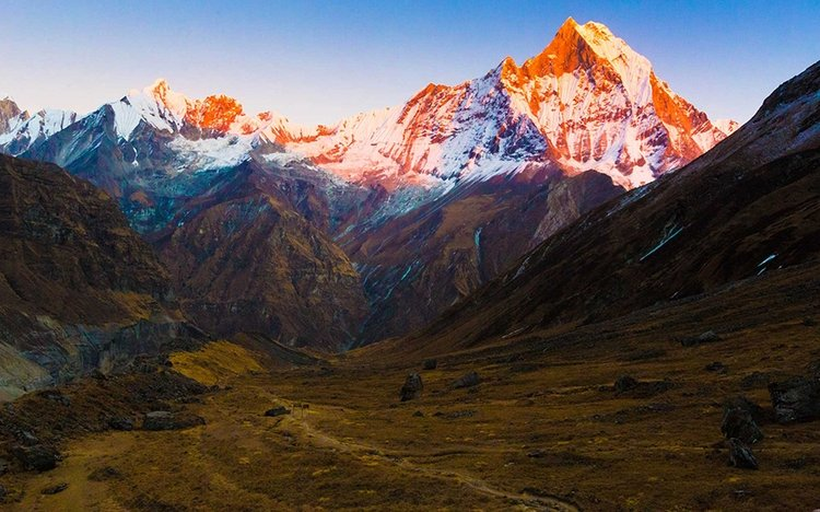 Sunrise views Annapurna trek