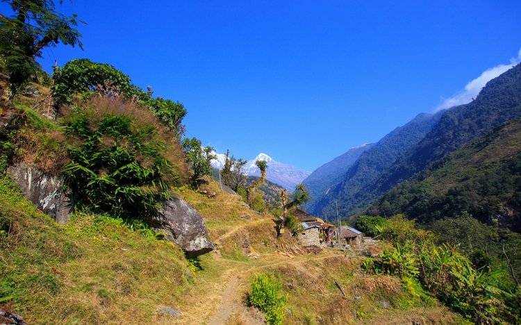 Villages along Annapurna trek trail