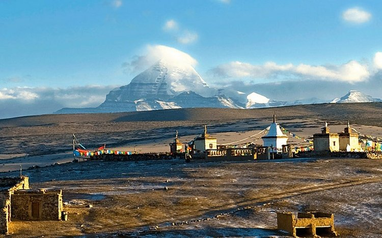 Mt Kailash and Western Tibet loop 21 day overland tour