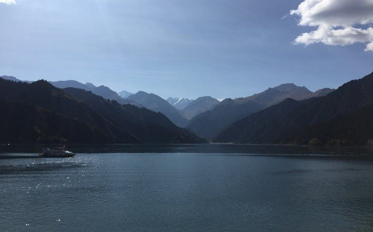 Travel to Heavenly Lake in Xinjiang