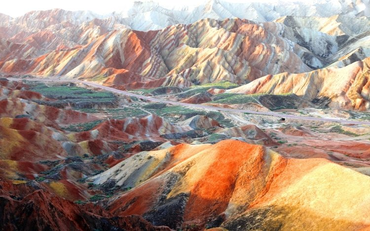 Travel to Rainbow Mountain in Zhangye on the Silk Road