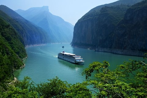 Cruise on Yangtze River