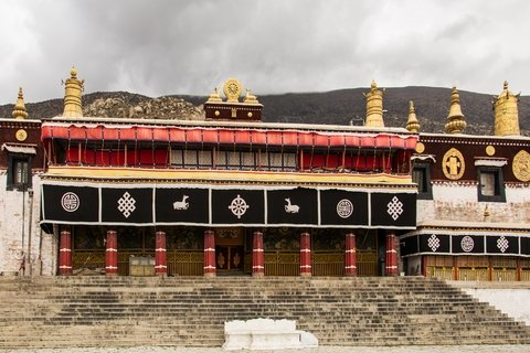 Drepung monastery assembly hall