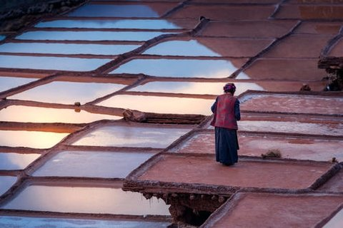 Local people on the salt pans