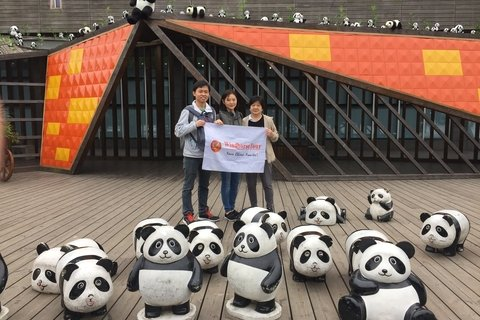 Melissa and friend at Dujiangyan Panda Base for volunteer workd
