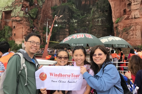 Jing family in front of Leshan Big Buddha