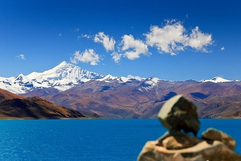Yamdrok Tso Lake and Mt. Nojin Kangtsang Tour