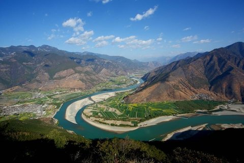 Yangtze river first bend