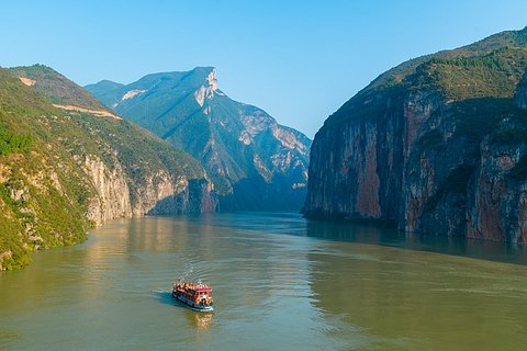 Travel the Yangtze River Cruise Along the China Silk Road
