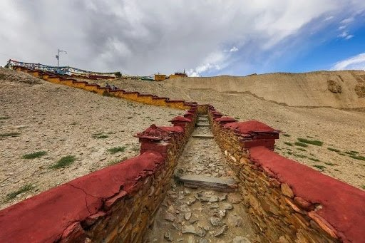Tibetan kings tombs