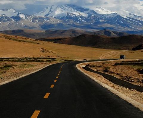 Highway in Tibet